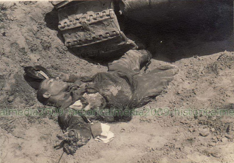 T-34_yazuv_stary_dead.jpg