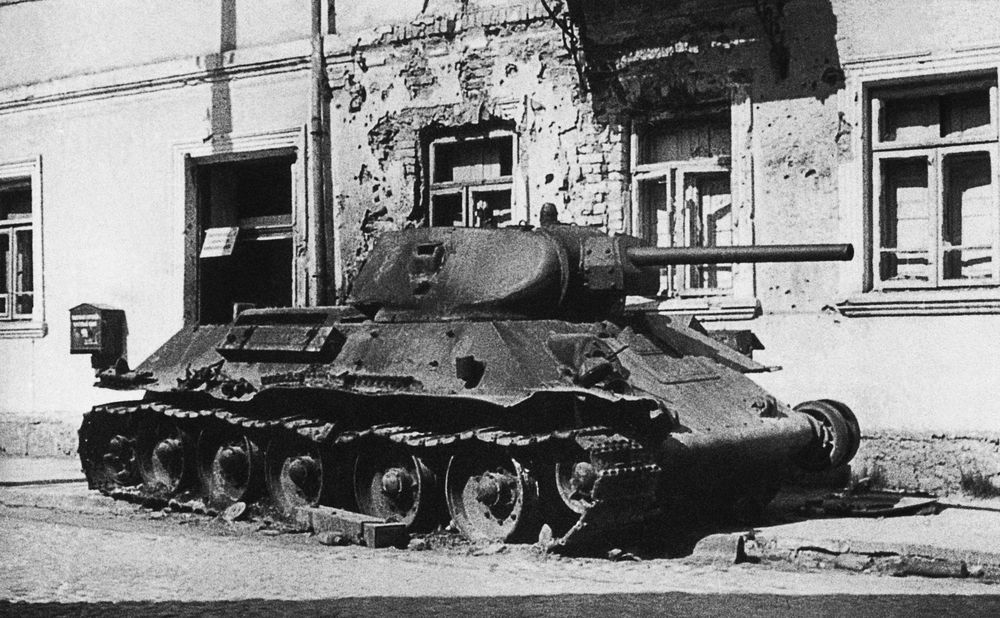 T-34_burn_out_Slonim.jpg