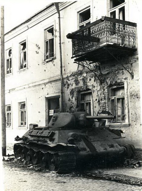 T-34_Slonim_balkon.jpg