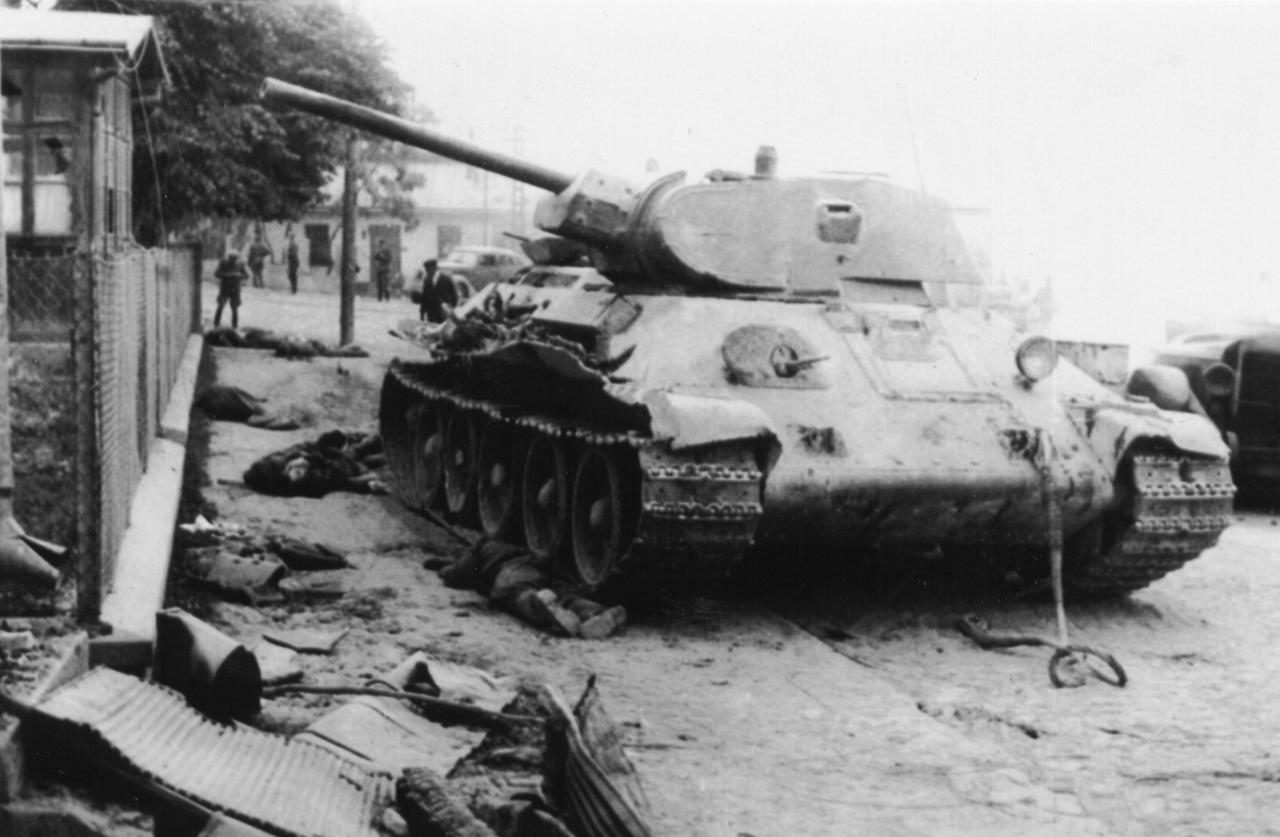 T-34_street_dead.jpg