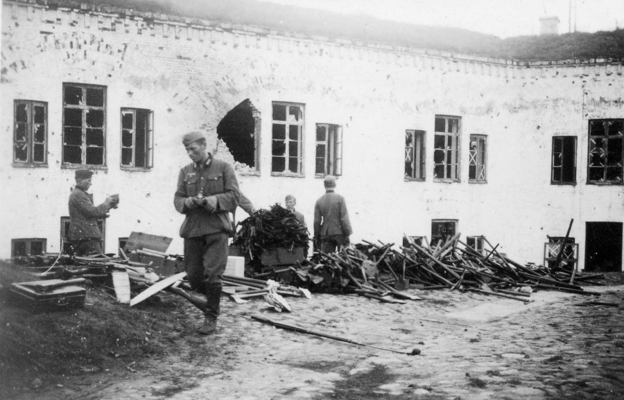 East_fort_41_germans.jpg