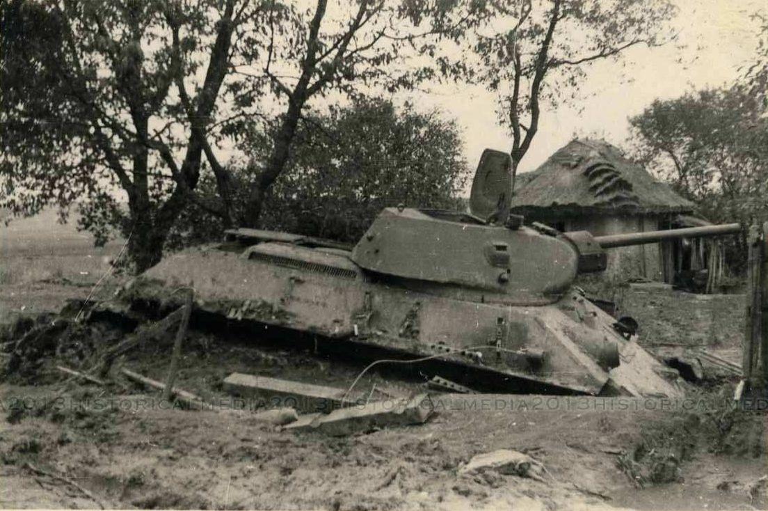 T-34_Radzekhov_II.jpg