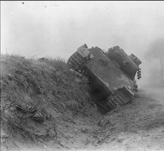 Мортен-1944 Panther_Mortain.jpg