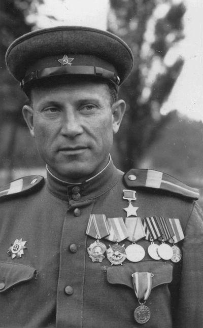 Сьянов И.Я., Герой Советского Союза, ст. сержант.jpg