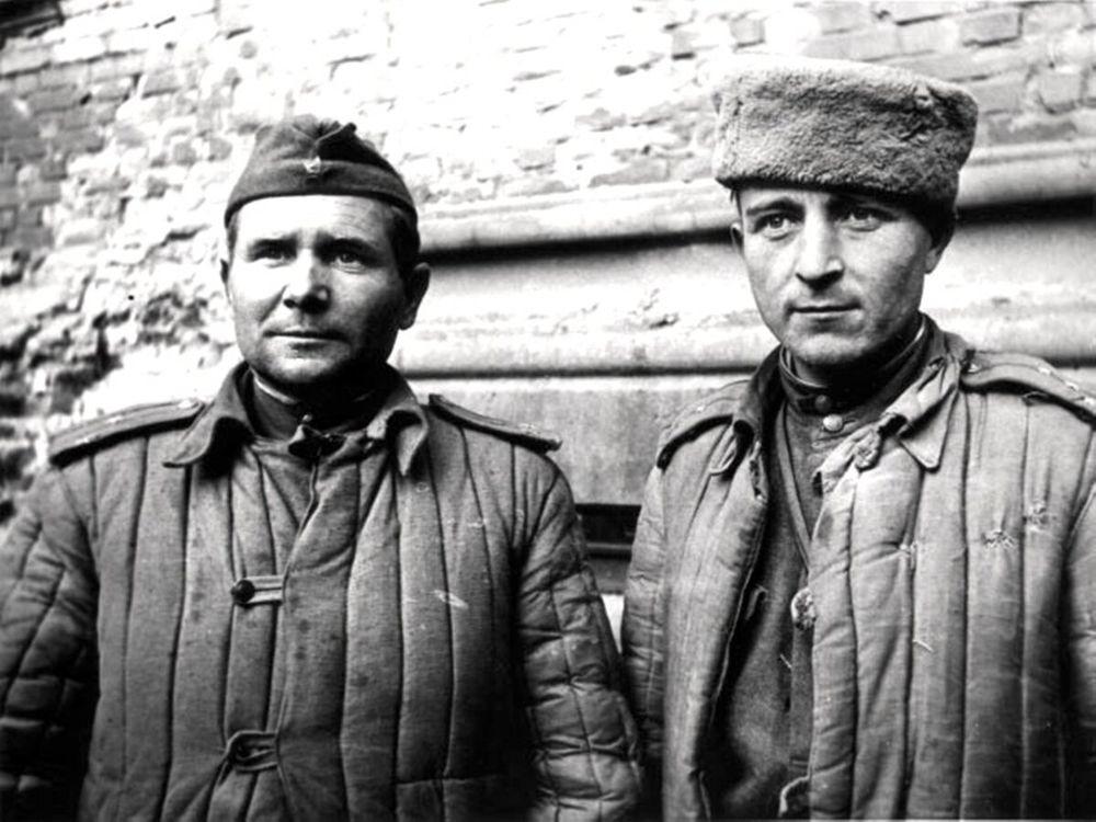 Зинченко и Плеходанов ватники.jpg