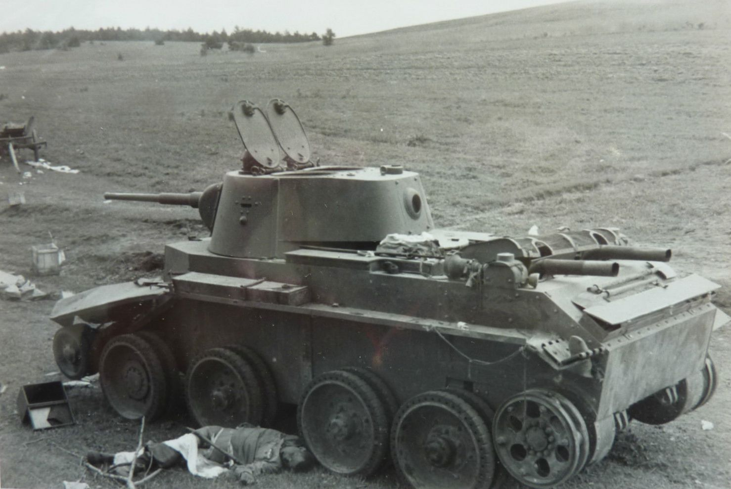 BT-7_wheels_dead.jpg
