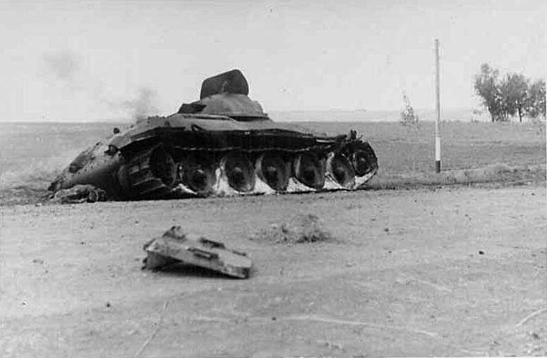 T-34_12td_dead_side.jpg