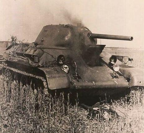 T-34_burns_front_dead_fary.jpg