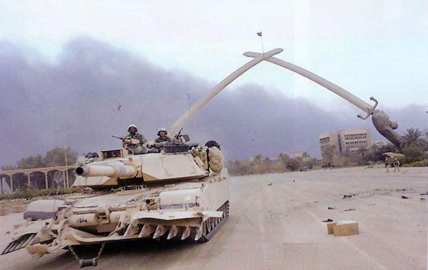 Abrams_mine_plоw_sabers.jpg