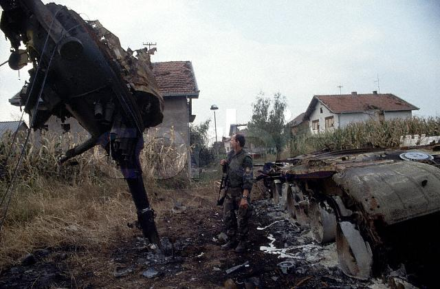 Vukovar_turret_stvol_close.jpg