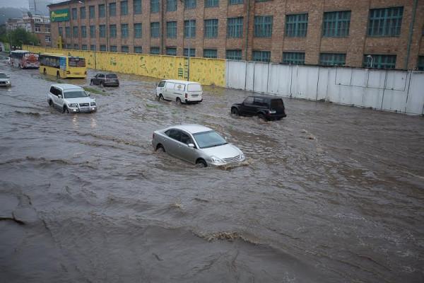 Владивосток 2014.19.07 тайфун-3