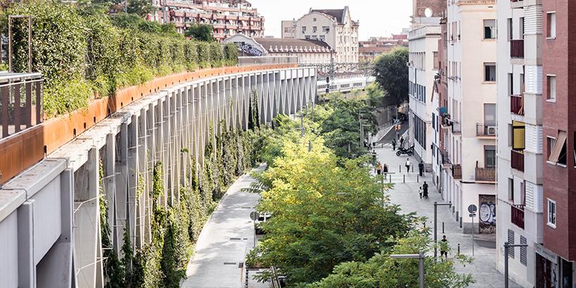 jardins-de-la-rambla-de-sants-barcelona-elevated-park-sergi-godia-ana-molino-designboom-02