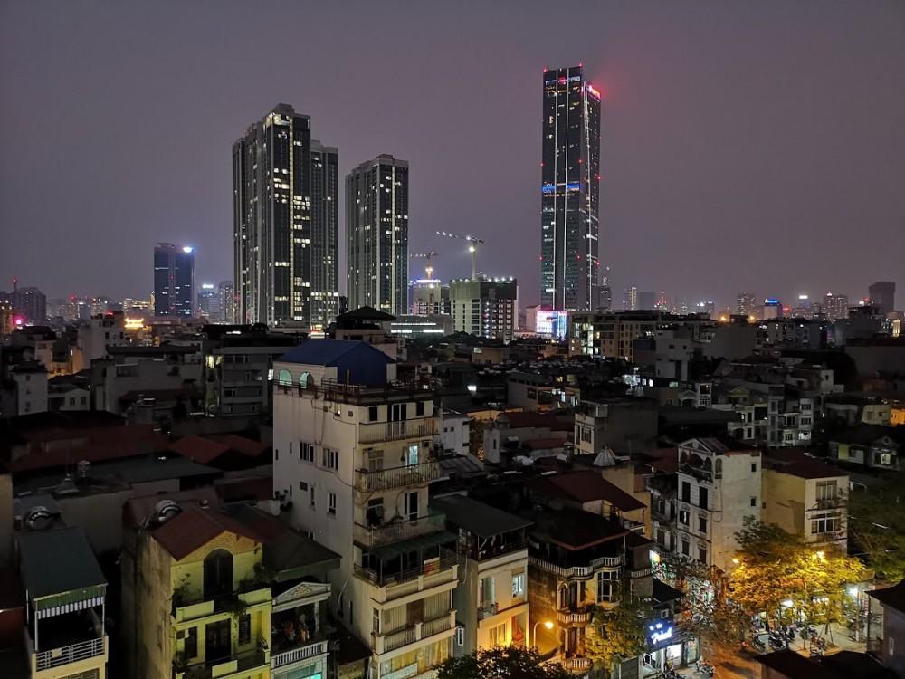 Ночной Ханой (вид из окна гостиницы)