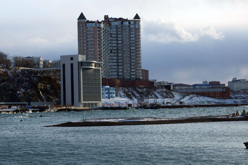 Море холодного цвета...
