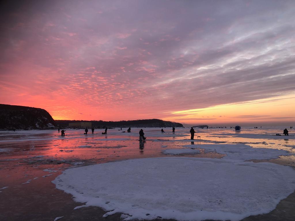 Восход на льду