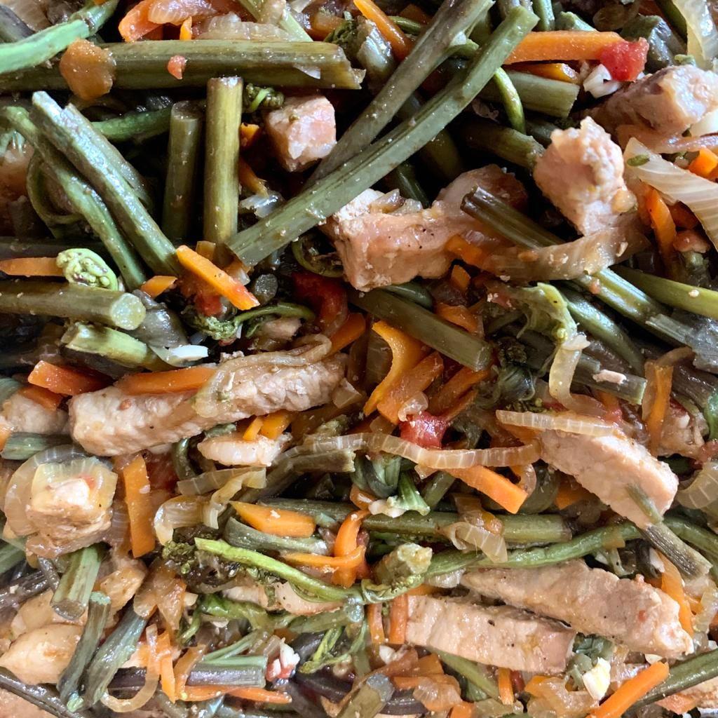 Папоротник Орляк с мясом и овощами