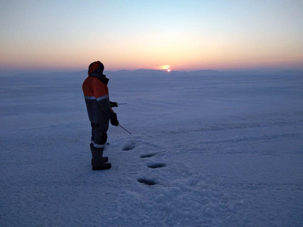 Зимнее утро на рыбалке и подводно-подлёдные съёмки