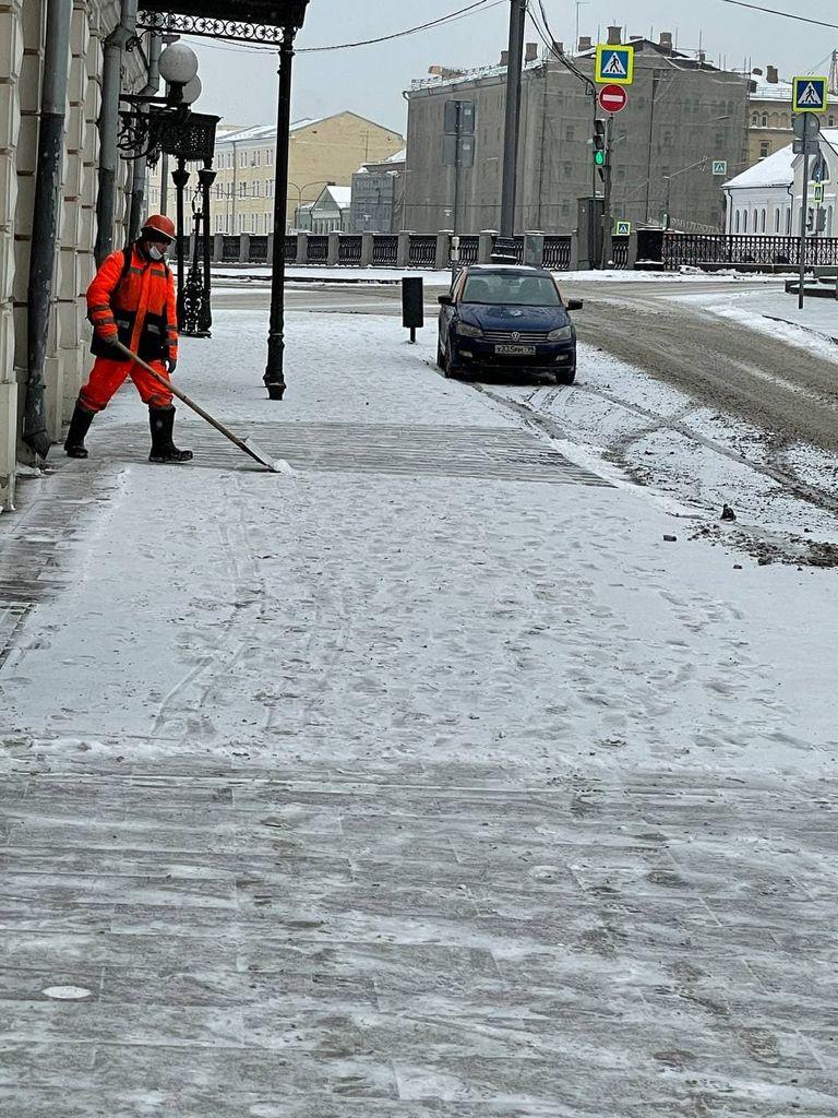 Москва и снег