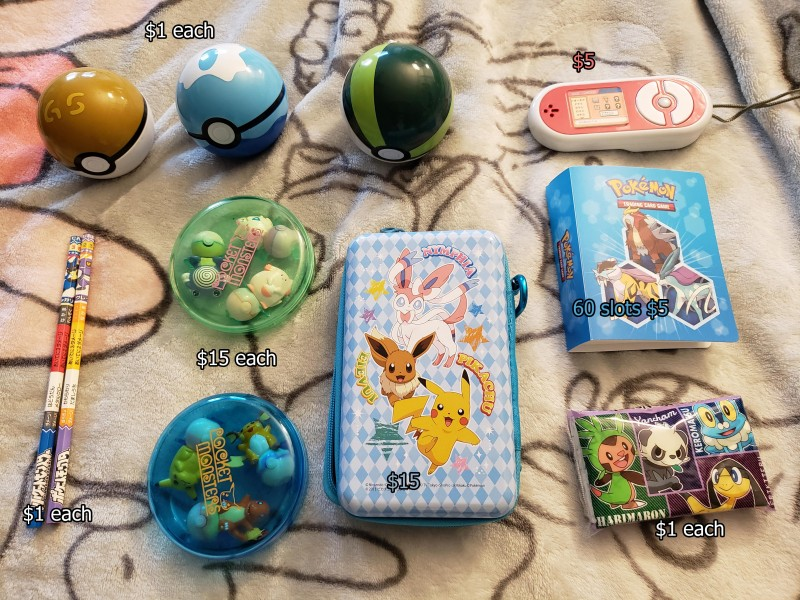 roller stamps are used and have residual ink on them, pictures of the stamp picture can be provided; Pikachu and eevee friends movie pencil case with clip (ピカチュウとイーブイフレンズ ファスナーカン); tissue pack features pancham, froakie, chespin, helioptile