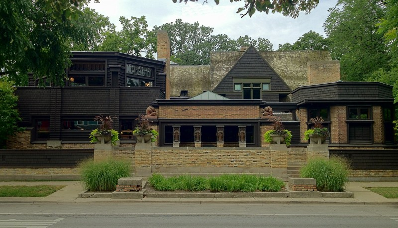 frank-lloyd-wrights-oak-park-illinois-designs-the-first-decade-thomas-h-gale-house-1892-e2-80-93-1027-chicago-ave-below-right-these-two-homes-were-built-for-who-then-sold-one-of-them-to-a_designing-in