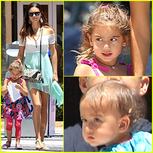 adriana-lima-family-lunch-with-valentina-sienna
