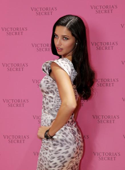 Adriana_Lima_Adriana_Lima_Showcases_Victoria_p-ZTS3ljdgKl