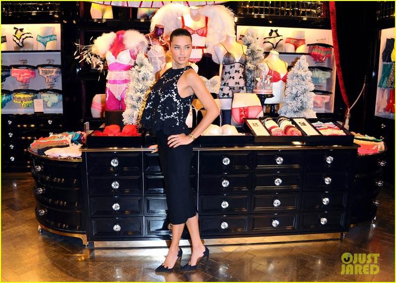 adriana-lima-victorias-secret-bond-street-store-photo-call-12