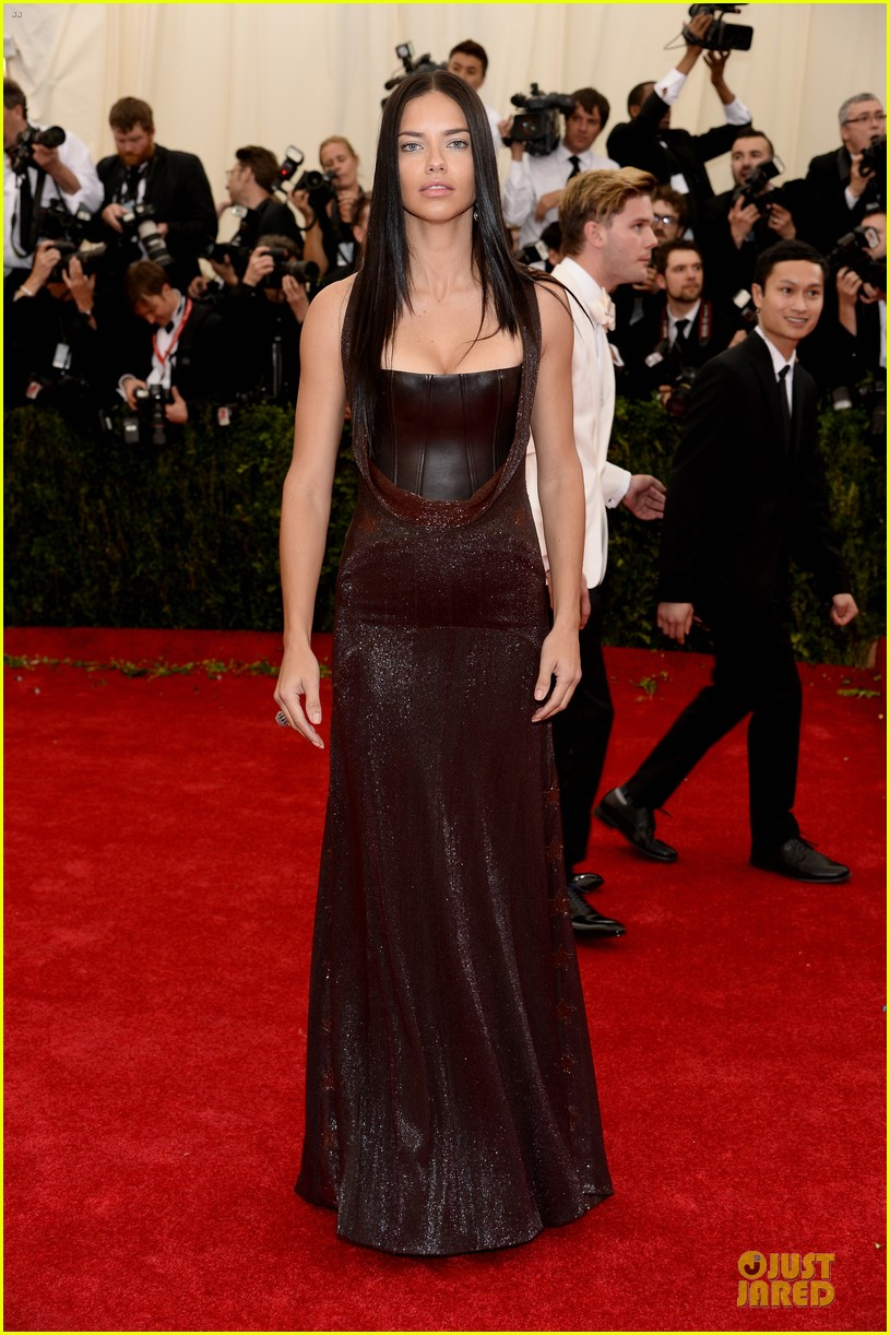 adriana-lima-amazing-at-met-ball-2014-01