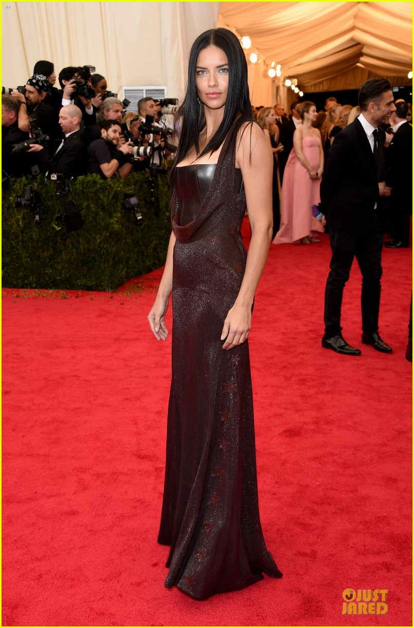 adriana-lima-amazing-at-met-ball-2014-05-1