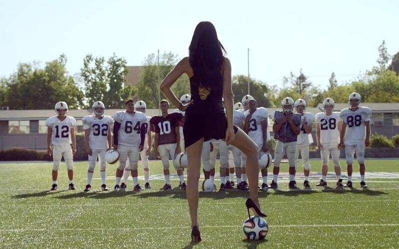 supermodel-adriana-lima-uses-her-heels-to-settle-football-vs-futbol-kia-ad-video-82246_1