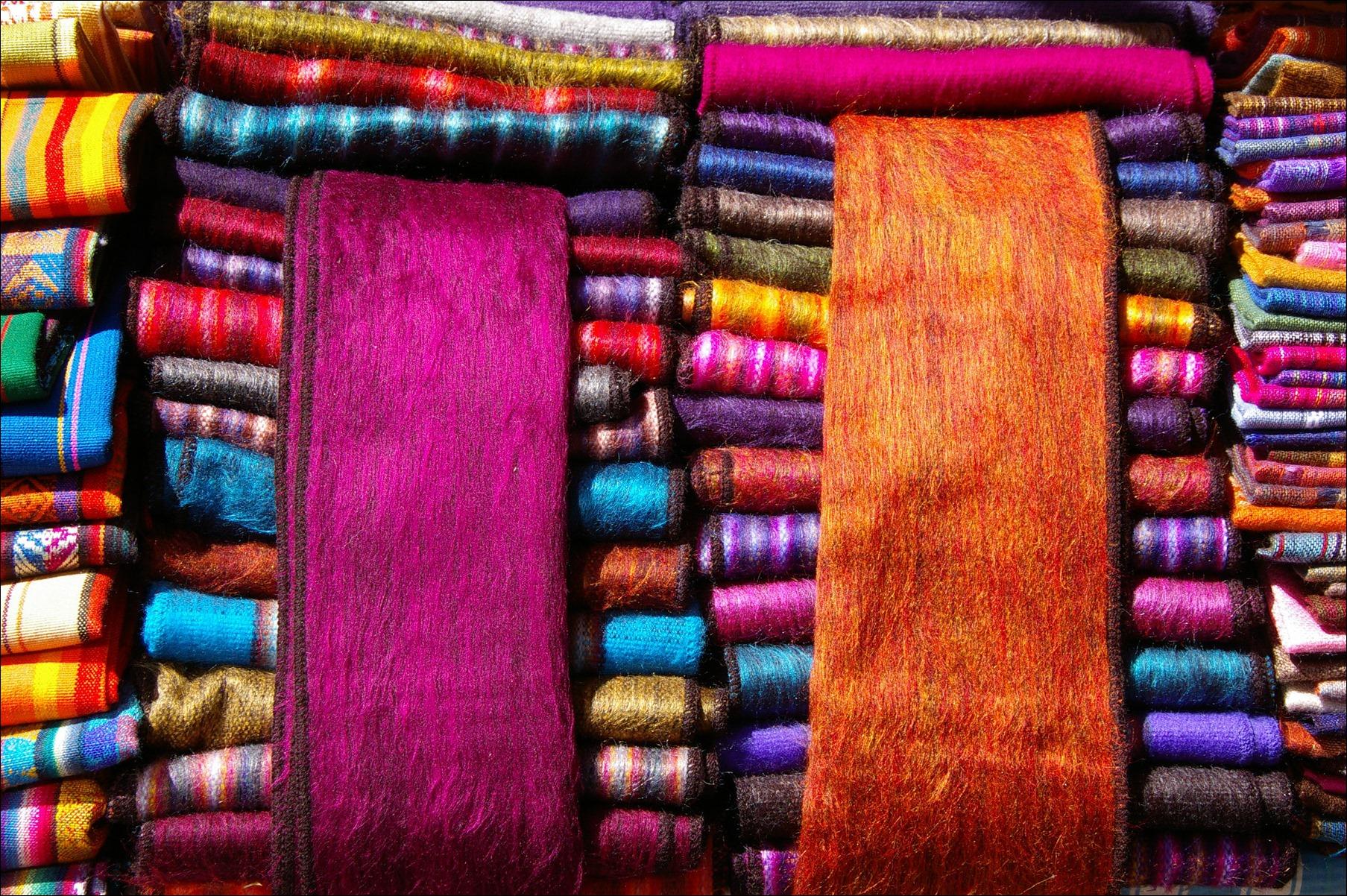 shawls-at-otavalo