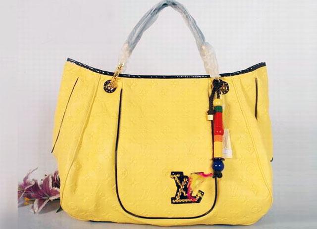 237a07d758a7 Модные сумки известных брендов под заказ с фабрик-производителей.  Dresshunters представляет брендовые ...
