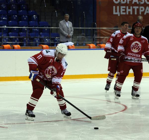 Хоккей9