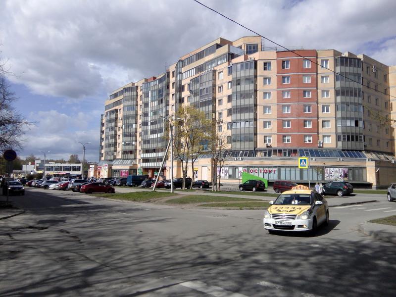 Новопостроенный квартал-дом.