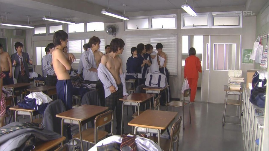 Takeru Sato Shirtless 03