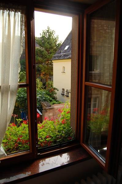 http://ic.pics.livejournal.com/dro_od/45261151/85979/85979_original.jpg