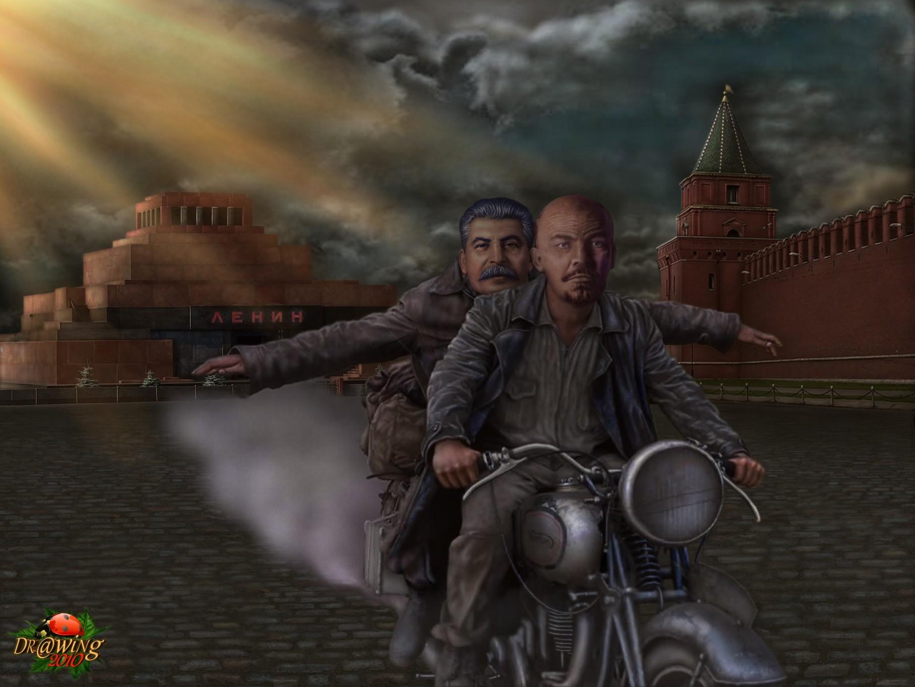 373153_lenin_stalin_motocikl._1814x1363_(www.GdeFon.ru)