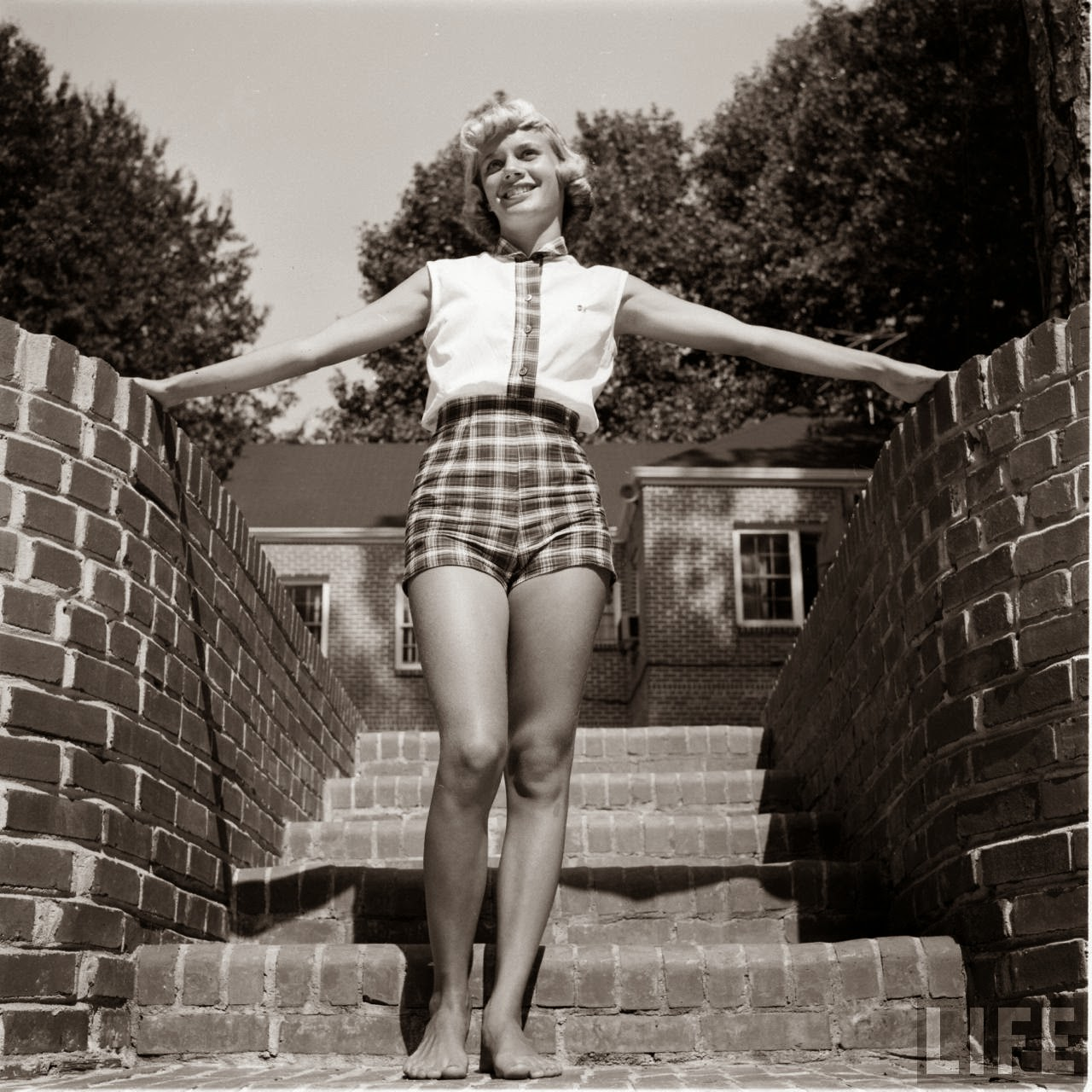 Short Shorts in the 1950's (18)