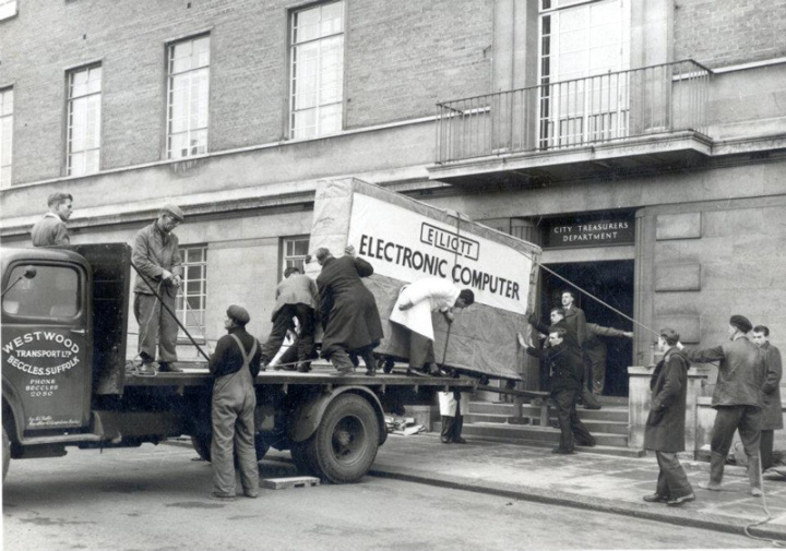 первый-коспьютер-в-норидже-1957-год