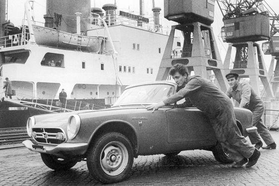 Первая встреча в начале января 1967 года Honda S800 порт Гамбурга