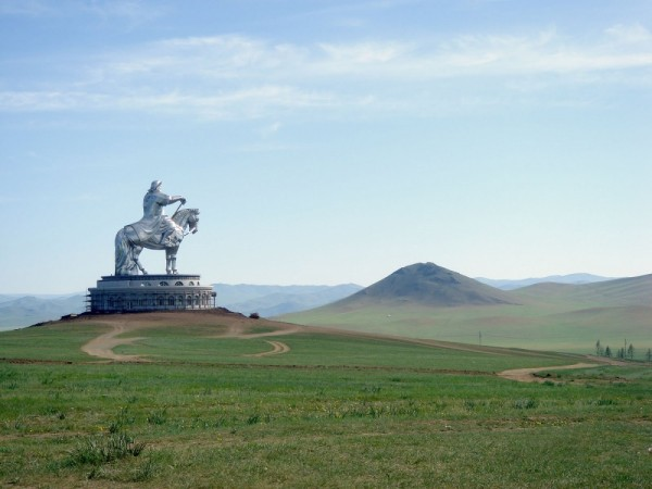 памятник чингизхану