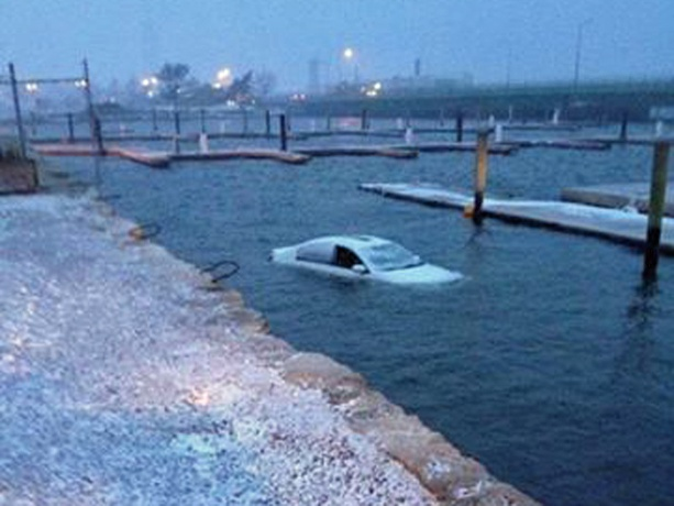 Fairhaven-crash-into-water-3-26-4