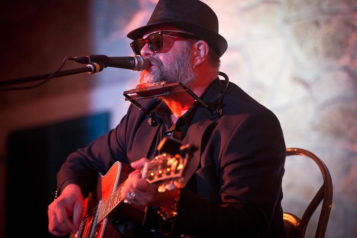 Борис Гребенщиков отменил предстоящие концерты из-за госпитализации