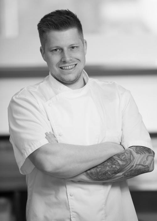 Николай Элисгор — шеф-повар ресторана