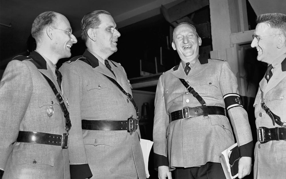 Фриц Кун (второй слева) с соратниками по Германо-американскому союзу