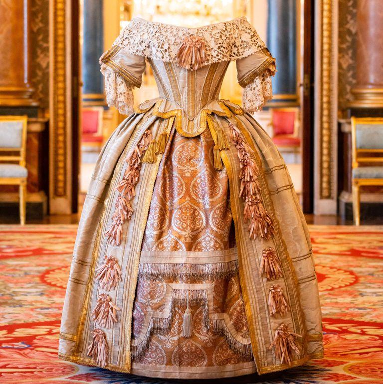 Платье королевы Виктории для бала Стюарта в 1851 г.