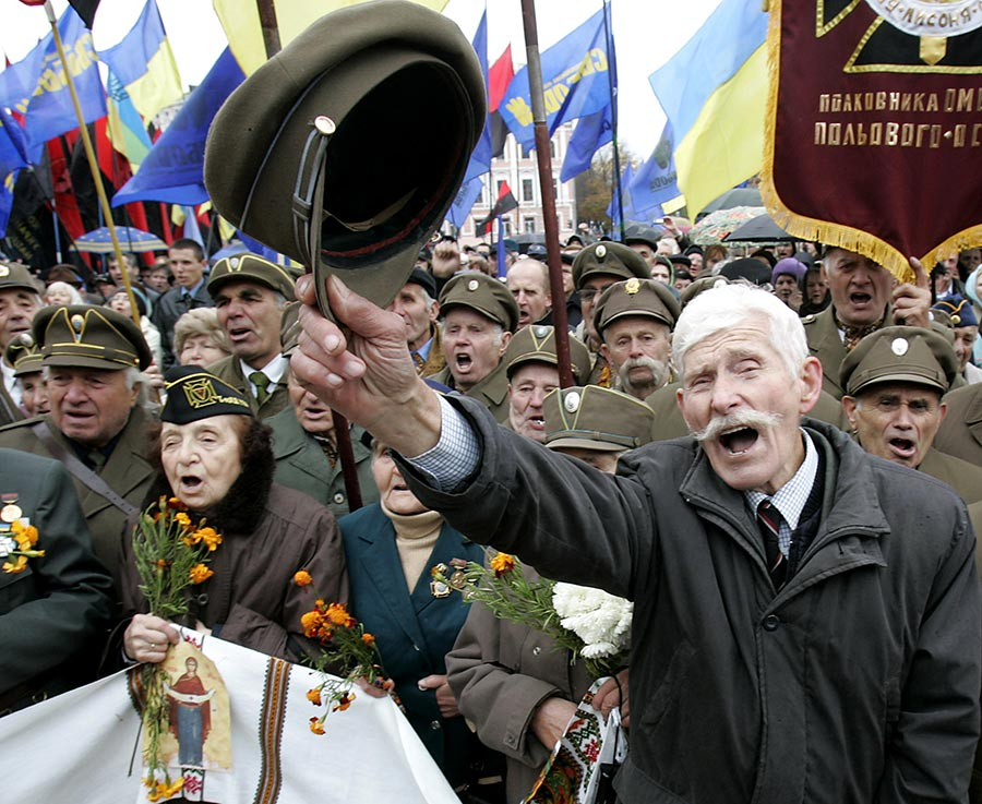 Во Львове призвали к вооруженному захвату власти
