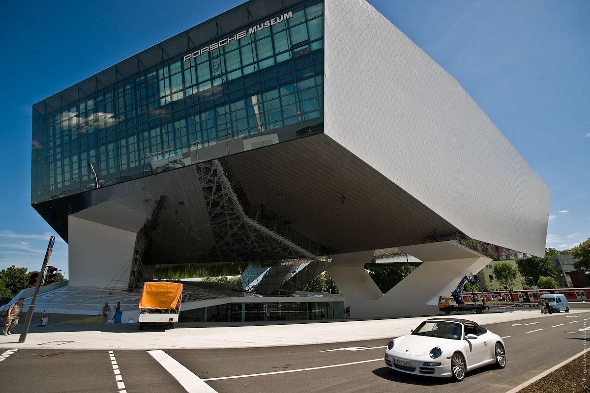 архитектура музей порше porsche. разрез