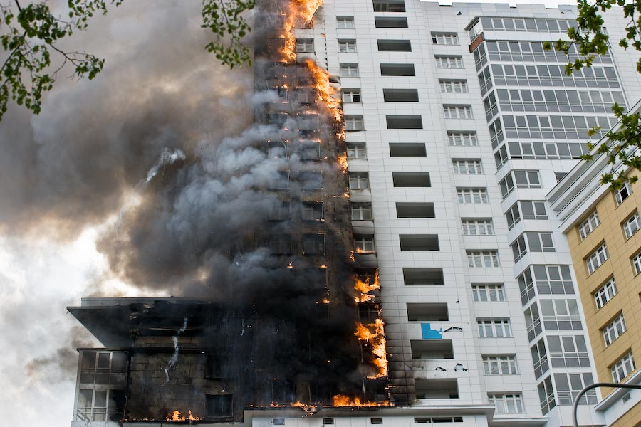 Fire in a freshly constructed apartment building (24 pics) -.