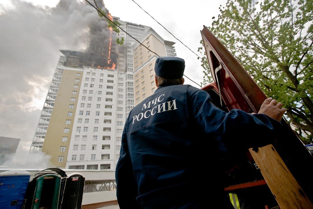 В центре Москвы потушили горящее 27-этажное здание